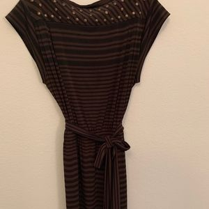 🌻5/$20 Donna Morgan casual dress